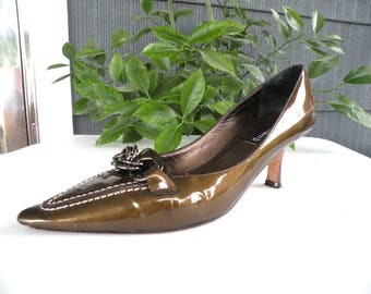 Claudia Ciuti Brown PATENT LEATHER Pointed Toe Pumps 5 12 M Casual Dress Shoe Elegant Shoes Dress up Shoes Cruise Shoes Gloss Pump Slip On