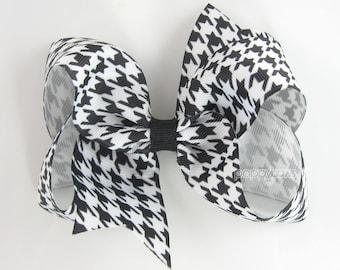 "Houndstooth Hair Bow, 4"" Black and White Hair Bow, Checkered Plaid 4 Inch Girls Hair Bow, Baby Hair Bow, Christmas Hair Bow Fast Shipping"