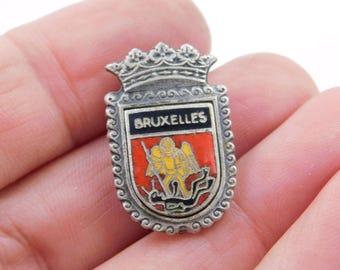 Vintage Silver Bruxelles Brussels Belgium Souvenir Pin Crest or Shield dr44