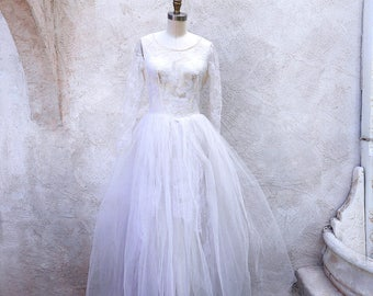 Vintage 1950 Wedding Dress, Lace and Tulle Bridal Gown