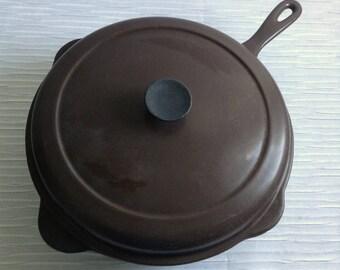Le Creuset Cast Iron Enamel Deep Covered Fry Pan.  #27 Skillet.  Cast Iron interior.  Brown.  Mid century, Eames era. France. Vintage  1960