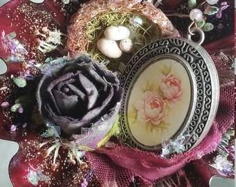 Christmas Ornament Tartlet Tin Ornament Flower Locket and Nest