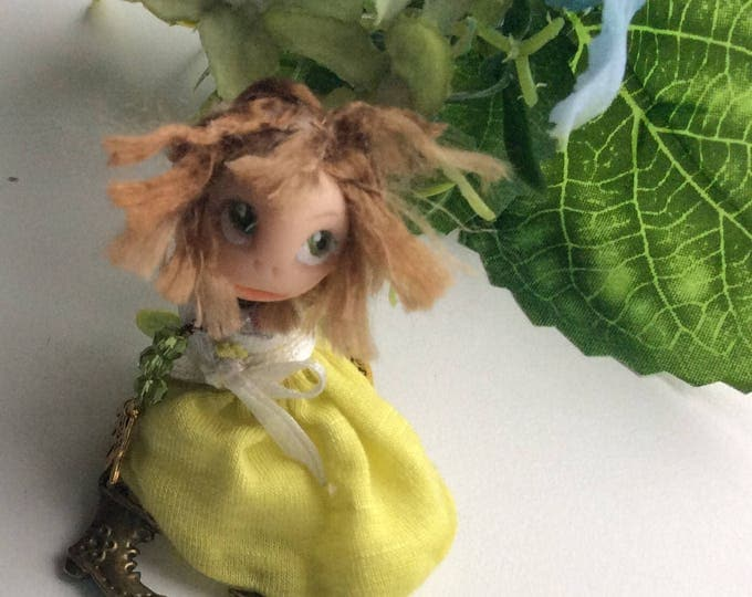 Miniature doll brooch - Brooch doll - Doll brooch - Handmade brooch - Primitive doll brooch - Brooch girl- funny doll brooch- OOAK - Brooch