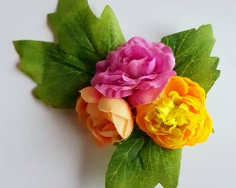 Small Frida-inspired flower comb with pink and yellow flowers. Flower boho hairclip. Romantic flowergirl bridesmaid raceday teaparty