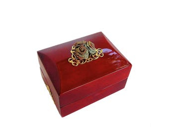 SALE - Engagement Ring Box - Ring Bearer Box - Red Wedding - Red and Gold - Ring Pillows