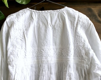 Embroidered mexican tunic,cotton gauze blouse,White Floral Embroidery,Tassels.Boho shirt,bohemian Top,hippie chic,Women.Summer, fresh fasion