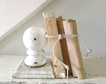 Vintage White Chippy Salvage Wood Architectural Piece Bookend Finial
