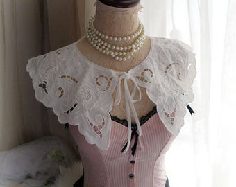 Victorian Maid Maiden White Collar Lace Peter Pan Collar Cape Capelet  velvet bow Poncho Shawl Top Darling bolero shrug Lolita antique style