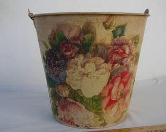 French painted,distressed tin bucket or pail,with shabby floral & roses decoupage.Wooden carrying handle