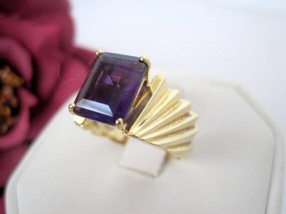 Purple Rhinestone Ring - Amethyst Gold Tone -  Cocktail Ring Size 8