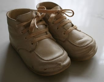 Vintage Baby Deer White Leather Baby Shoes Baby Deer Walkers - Vintage Leather Baby Shoes