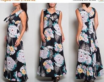July Sale 1970s// Black Peony Floral// Hawaiian Maxi Dress//  X Small