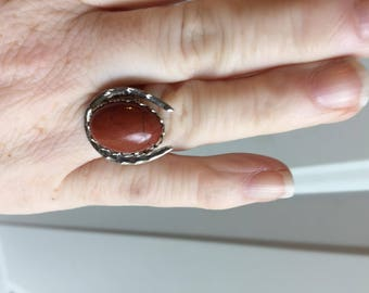 lucky horseshoe ring with 13x18 red jasper cabochon