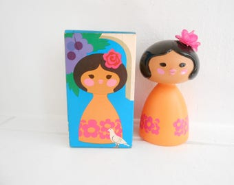 Vintage Avon Spanish Girl Small World Figurine, Shampoo Bottle, 1970 Orange and Fuchsia Pink Flowers / Spanish Senorita
