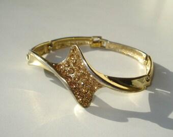 Amber Rhinestone Bracelet - Gold Tone Twist Link  -  Vintage Retro Costume Jewelry 1960's