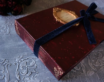 Rêveur album photo de mariage de cru Woodland ou livre d'or, Bourgogne, bleu marine et or, album Photo de mariage sur mesure