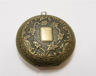 ON SALE Vintage Costume Floral Locket Item K # 1275