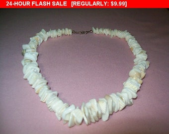 Vintage shell bead necklace, beach jewelry, shell jewelry