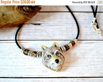 Men's Wolf Necklace, Wolf Jewelry, Gray Wolf Pendant Necklace, Animal Necklace, Animal Jewelry, Silver Wolf Spirit Animal, Men's Wolf Charm
