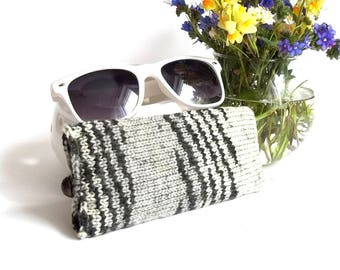 SALE - 50% OFF. Gray and Black Knit Glasses Case. Knitted Reading Glasses Case. Grey Sunglasses Holder.