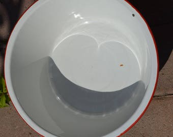 Antique Enamelware Basin or Pan, White with Red Trim, Utility Basin, Great Condition, Perfect for Display or Use, Pet Dish, Watering Dish