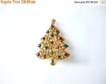 CIJ SALE Vintage Christmas Tree Brooch Pin Red & Green Rhinestone  46047 MargsMostlyVintage