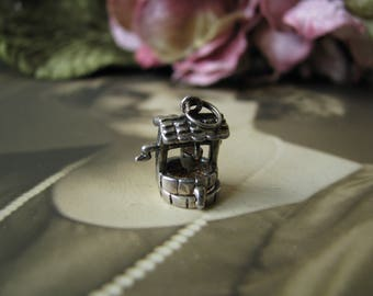 Vintage Sterling Silver Wishing Well Charm, Sterling Silver Wishing Well Charm, Wishing Well Charm