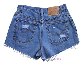 Distressed Vintage High Waisted Levis Cut Off Shorts 550 Size 12M