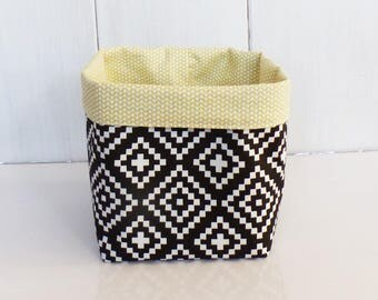 Pouch /panier storage tissues Nordic black and white patterns and yellow zig - zag stitch