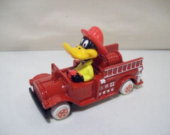 Vintage Ertl Looney Tunes Daffy Duck Fireman Die-cast Fire Engine Truck, New, 1988