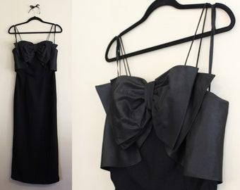 40% off  Lovely Lil' Black Bow Dress ||| Medium ||| 1960s ||| By Mardi Gras New York