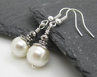 Ivory Pearl Earrings, Bridesmaid Jewellery, Bridal Party Gifts, Ivory and Silver Wedding Jewellery, Simple Earrings