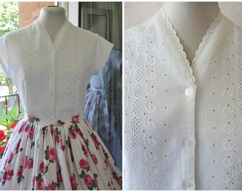 1950s Blouse 50s White Cotton Embroidered Eyelet Blouse Waffle Cotton Broderie Anglaise Cap Sleeve Blouse 1960s Crop Top S / M