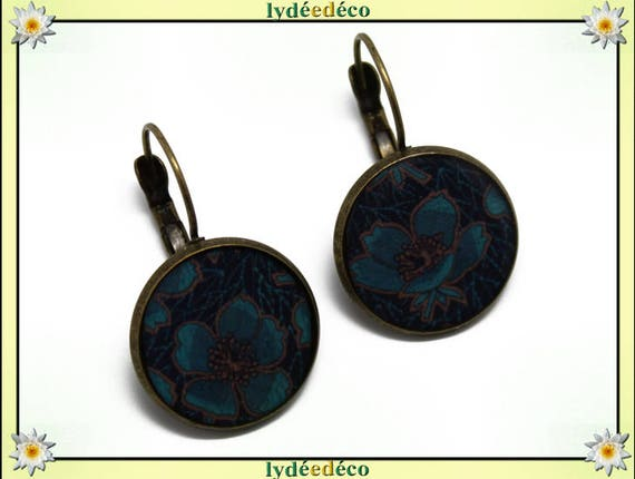 Earrings retro dark blue magnolia flowers Brown duck resin and brass bronze 2cm