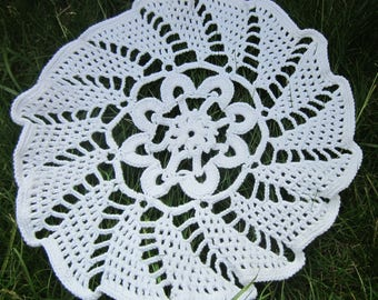 White round cotton crochet napkin