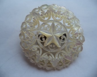 Vintage Unsigned Mother of Pearl Detailed StarBrooch/Pin