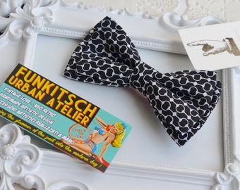 Vintage bow tie Pattern Optical 1970s