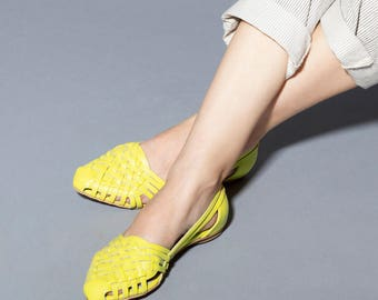 Yellow Sandals , Woven Sandals ,  Huarache , Leather Sandals, Women's Sandals, Womens Shoes, Flats , Summer Flats // Free Shipping