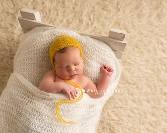 Newborn yellow bonnet, Yellow bonnet, Baby yellow bonnet ,Newborn photo prop hat