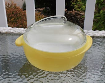 Glasbake Fin Yellow Casserole Dish with Lid
