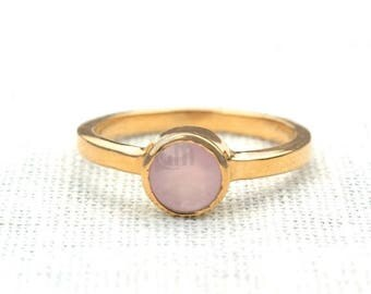 Rose chalcedony single stone ring, 6mm round gemstone ring, gold plated solitaire ring GemMartUSA (GPRC-12007)
