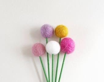 Felt ball flowers, felt billy buttons, pom pom flowers, felt flowers, pom pom decor, felt decor, felt decoration, felt ornament, faux flower