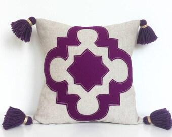 "Berry Quatrefoil Pillow on Oatmeal Linen with Handmade Tassels, Small 14"""