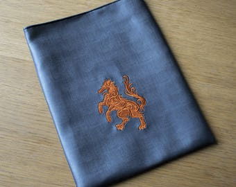 Notebook Sleeve, E-reader Sleeve, Small Laptop Sleeve, Embroidered Wolf, 3D Wolf, 22 by 28 cm (8,7 by 11 inch)