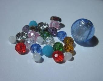 25 round glass beads with rondelle rhinestones (H21)