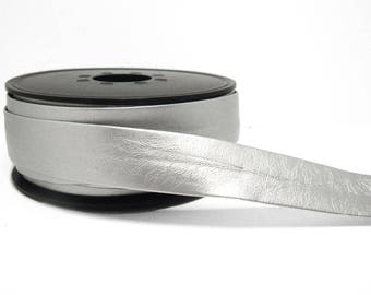 Bias tape leatherette silver 20 mm sold per 10cm