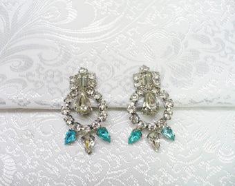 STUNNING Vintage Clear and Aqua RHINESTONE Earrings - clip on style - Something blue - aqua blue stones - vintage rhinestone -Bridal set