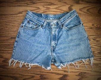 Levi's 517 High Waisted Shorts Vintage Levis Cut Off Short Levi Shorts High Waist Denim Cutoffs Distressed Red Tab Jean Size Medium 6 28 29