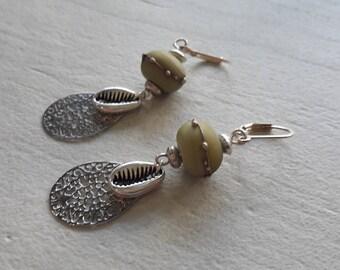 Bohemian earrings, Pearl blue jeans bleached Lampwork, ethnic trend, shell