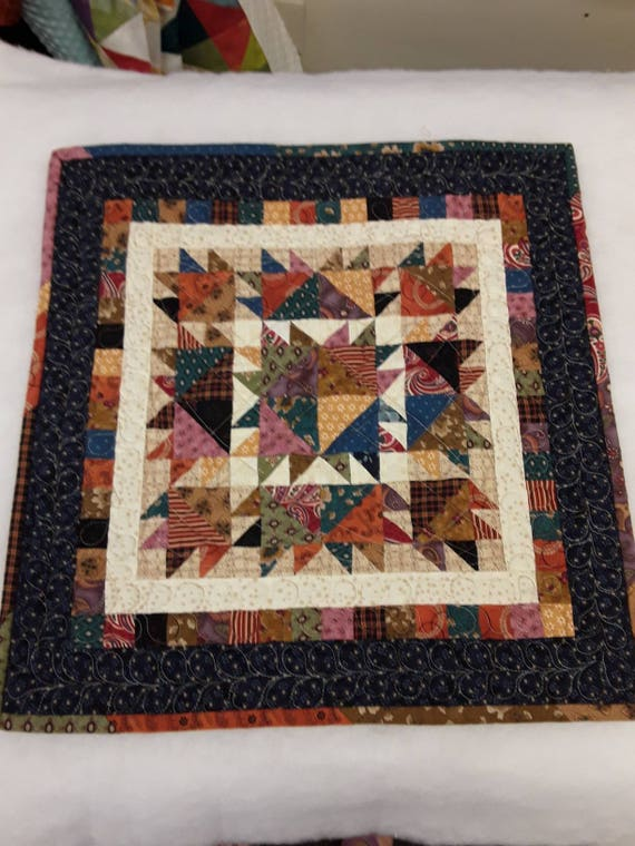 Small Quilt Kit. Kim Diehl Laundry Day Simple Whatnots Club. Fabric and Pattern for Scrappy Bearpaw Block Primitive Wall Art or Table Topper